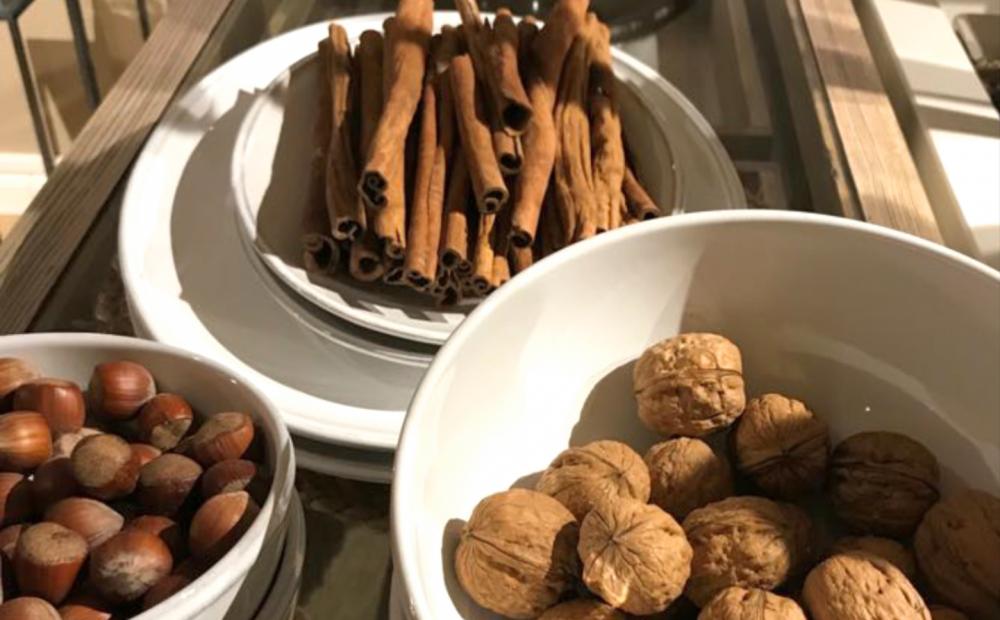 Nüsse, Nussallergie, Zimtstange,Weihnachtszeit,Gewürze