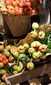Blumenstrauss, Blumen, Tulpen, Wochenmarkt, Markthalle, Blumen kaufen