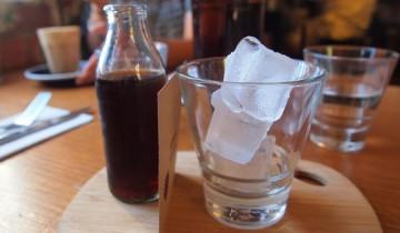 Nein, das ist keine Fritz-Cola. Das ist kalter Kaffee (Foto: The Integer Club/flickr/CC BY 2.0)